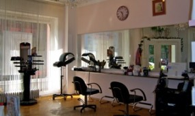 Salon von innen