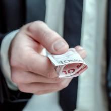 Arbeitgeber schenkt 10 Euro