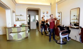 Salon Haareszeiten Berlin Kreuzberg Danziger Strasse