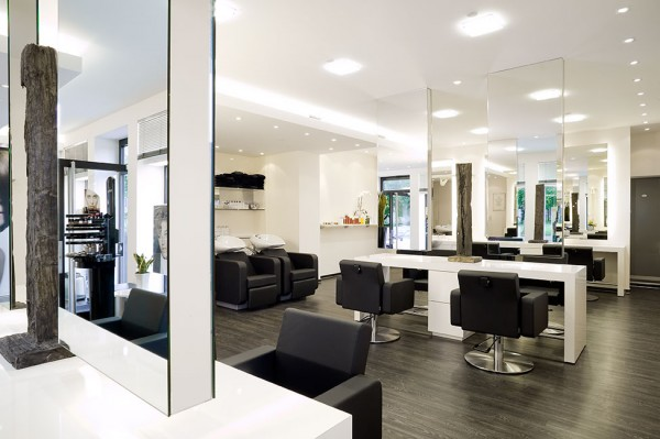 Blick in den Friseursalon Wöstendiek in Beckum