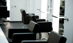 Kristo Friseure München - Stühle